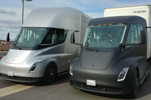 Electric buses and trucks a big (rig) opportunity for Canadian innovators