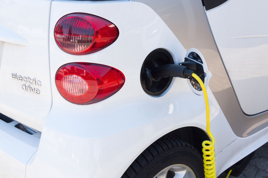 The Canadian government is making smart investments in electric vehicles